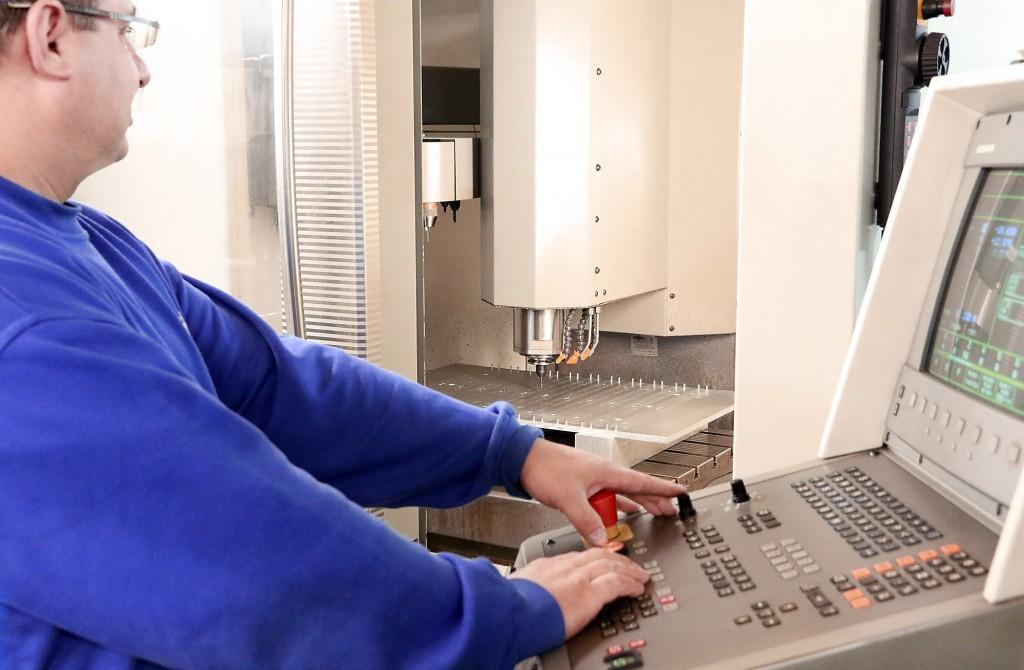 CNC_bearbeitungszentrum_406
